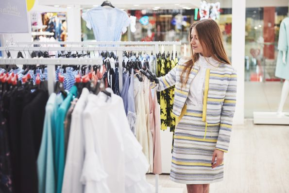How to price your clothing correctly for your clothing business